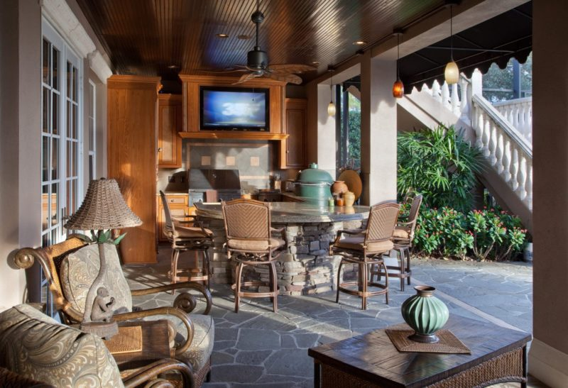 outdoor custom patio and kitchen